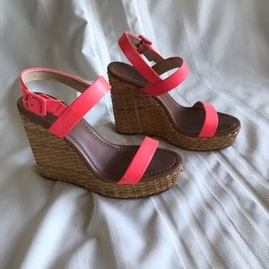 Kate Spade Outlet Neon Coral Wedges Size 8